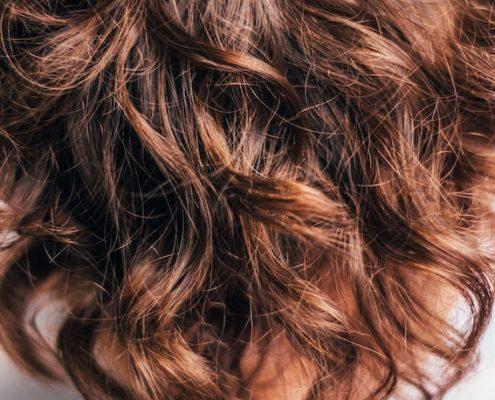 photo cheveux pointes sèches huile nourrissante