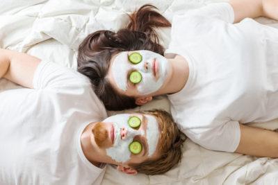 photo couple masque visage maison